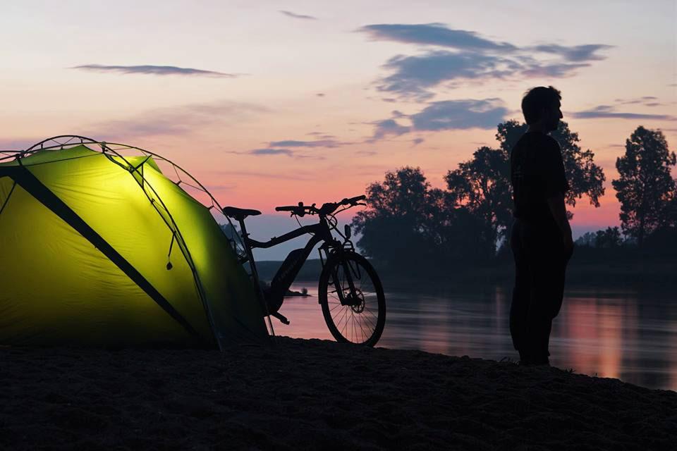 16elberadweg_camping