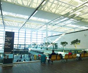 Warten auf den Abflug am Terminal 2 in München